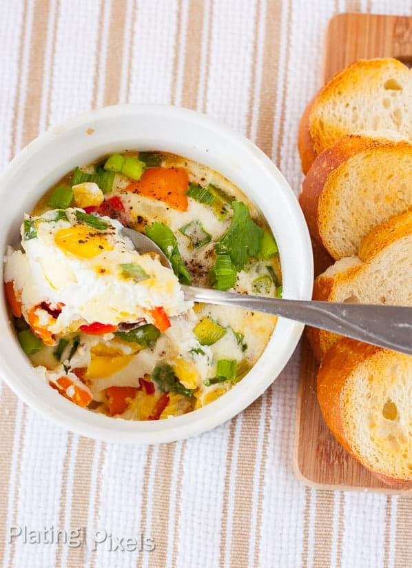 Bell Pepper and Green Onion Healthy Egg Bakes - www.platingpixels.com