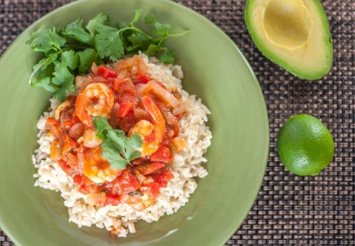 Veracruz Shrimp with Green Olives - www.platingpixels.com
