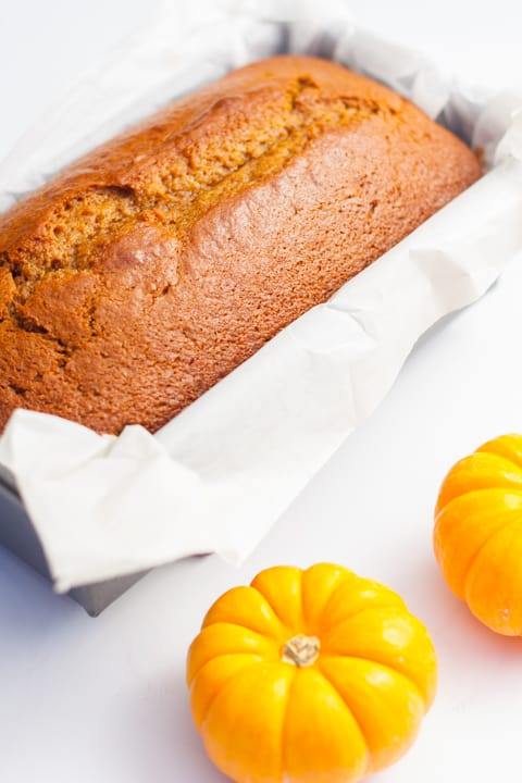 Pumpkin Bread with Maple Glaze - www. platingpixels.com