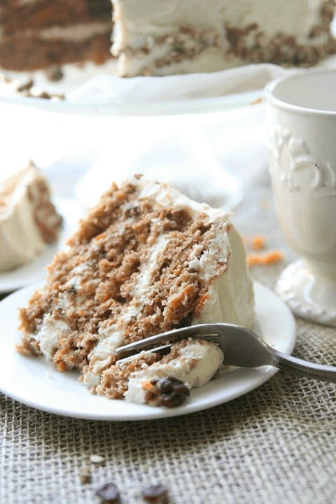 Thankgiving Recipe Roundup featured on www.PlatingPixels.com - Southern Style Carrot Cake