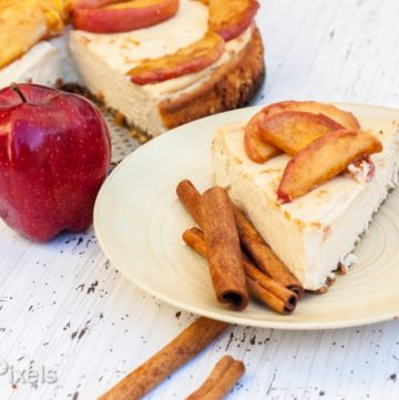 Apple Cider Cheesecake with Brown Butter Apple Compote - www.platingpixels.com