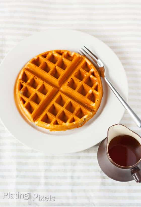 Maple and Peanut Butter Oatmeal Waffles (Gluten-Free) - www.platingpixels.com