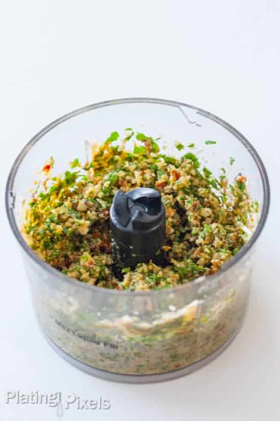 Toasted Walnut and Sun-Dried Tomato Pesto - www.platingpixels.com