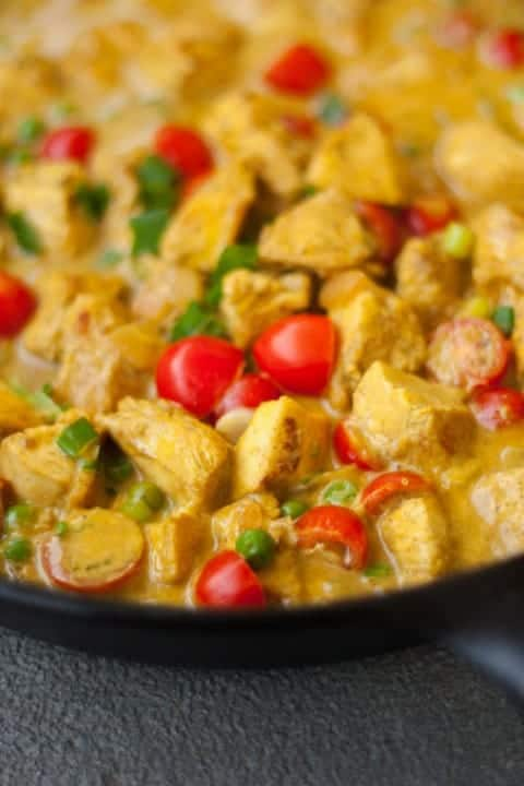 Thai Coconut Curry Chicken - www.platingpixels.com