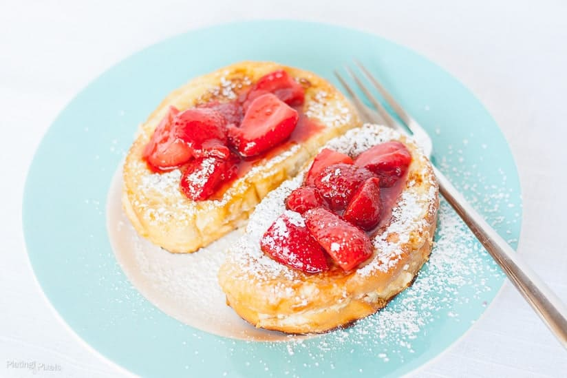 Banana Cream Cheese Stuffed French Toast with Strawberry Topping recipe - www.platingpixels.com