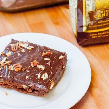 Kahlua Coffee Chocolate Fudge Cake recipe - www.platingpixels.com