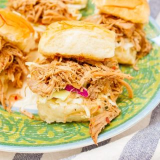 Slow Cooker Carolina Pulled Pork Sliders