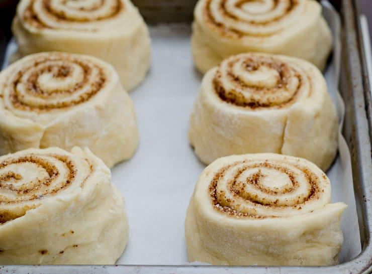 Homemade Cinnamon Rolls recipe - www.platingpixels.com