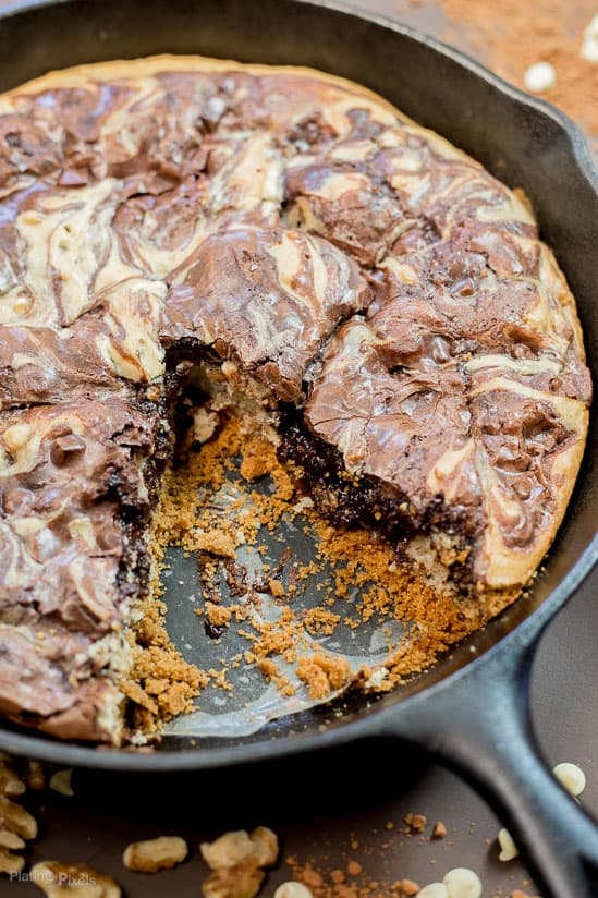 Marbled Skillet Brownie Cake recipe - www.platingpixels.com