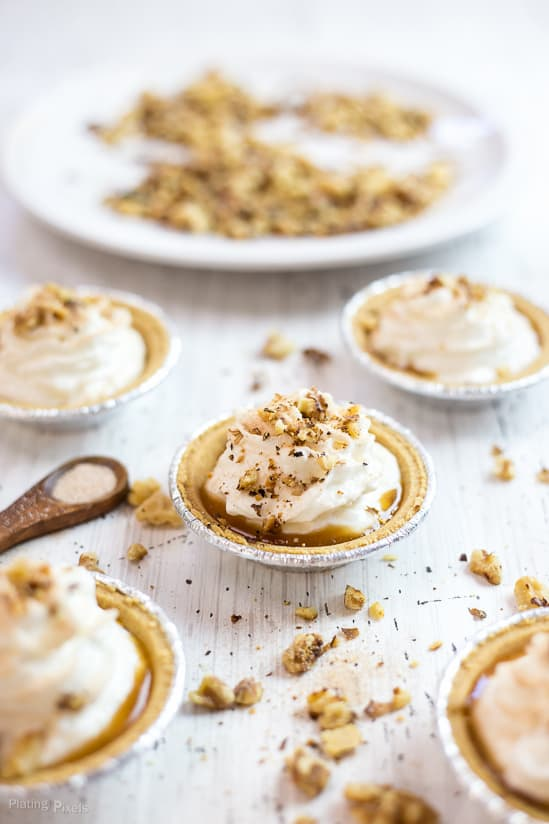 No-Bake Mini Caramel Apple Pie Cheesecakes recipe - www.platingpixels.com