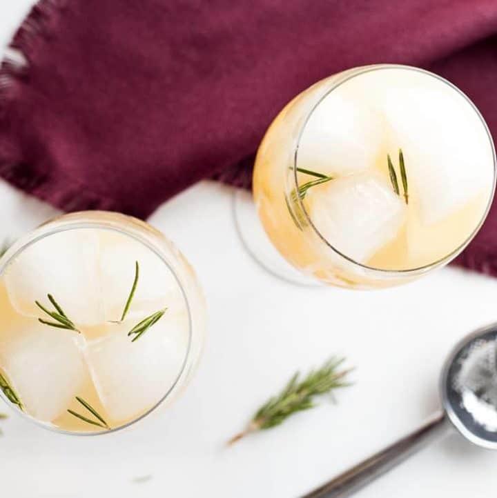 Sparkling Ginger Pear Mocktail cocktail recipe - www.platingpixels.com