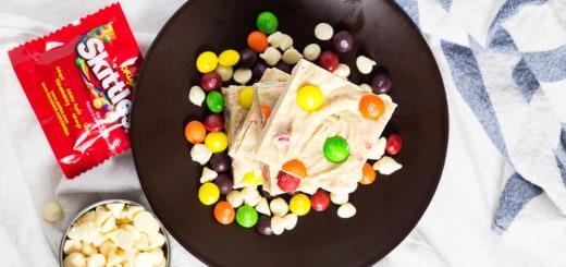 Skittles White Chocolate Fudge recipe - www.platingpixels.com