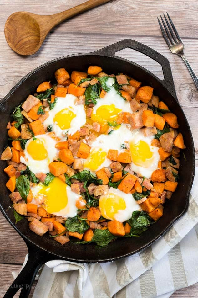 Spinach and Ham Sweet Potato Hash recipe - www.platingpixels.com
