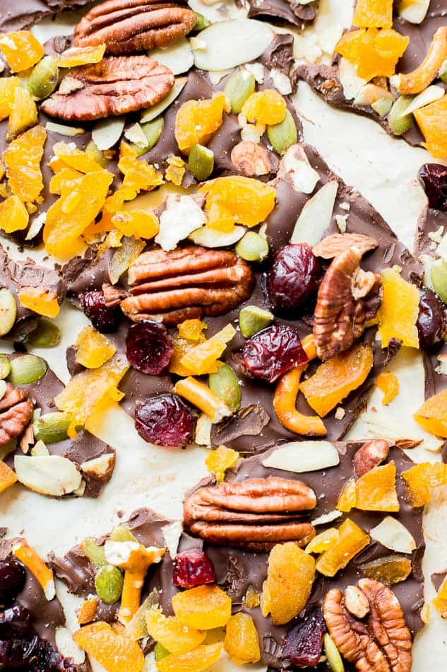 Sweet and Salty Dark Chocolate Bark - www.platingpixels.com