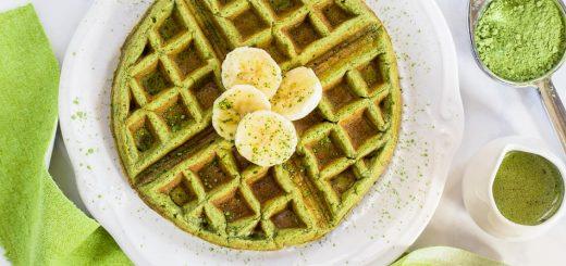 Matcha Green Tea Waffles recipe (Gluten Free) - www.platingpixels.com