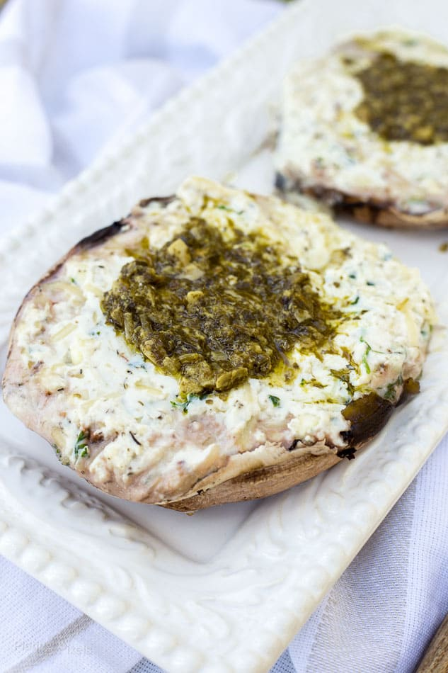 Creamy Ricotta Stuffed Portobello Mushrooms recipe - www.platingpixels.com