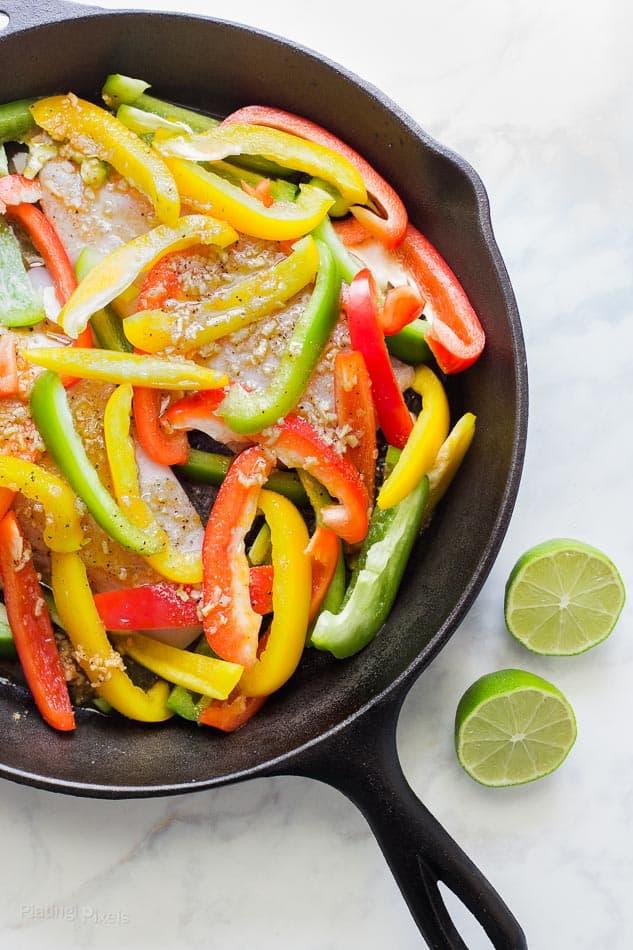 Easy No Marinade Chicken Fajitas recipe - www.platingpixels.com