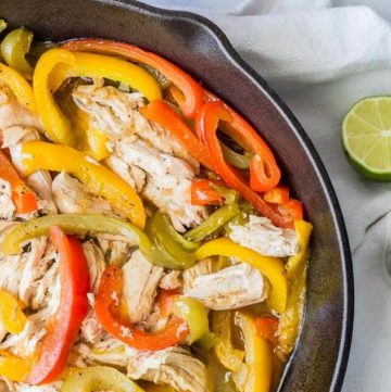 Easy No Marinade Chicken Fajitas recipe - www.platingpixels.com