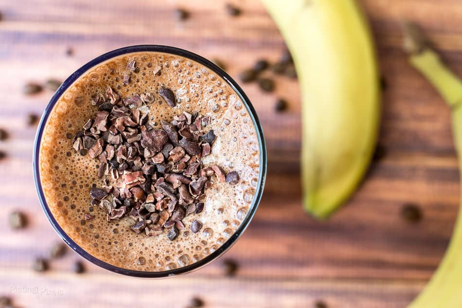 Banana Mocha Smoothie recipe - www.platingpixels.com
