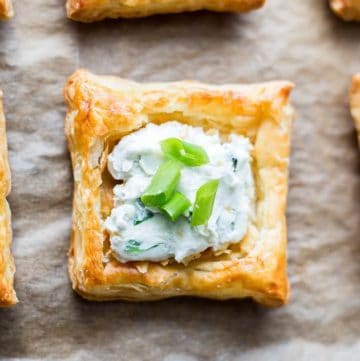 Creamy Blue Cheese Puff Pastry Squares recipe - www.platingpixels.com