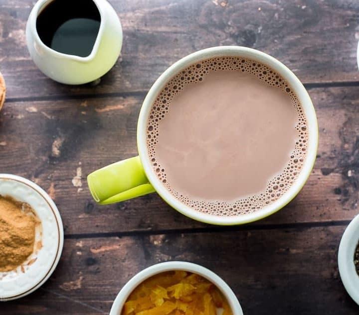 DIY Hot Chocolate Mix-ins (Homemade hot chocolate recipe) - www.platingpixels.com