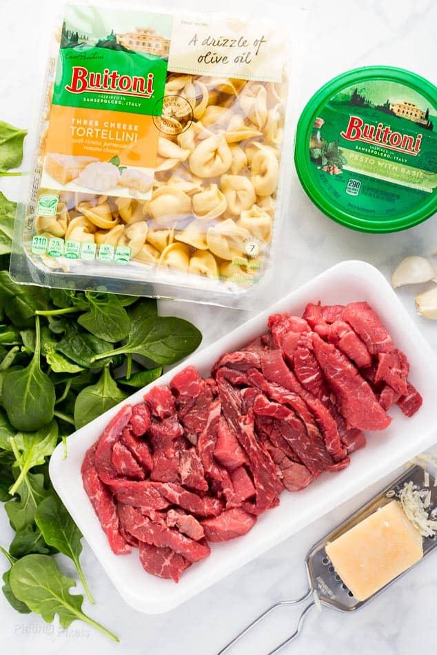 Steak Pesto Tortellini Pasta recipe - www.platingpixels.com