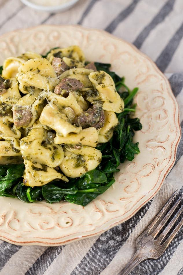 Steak Pesto Tortellini Pasta recipe - www.platingpixels.com