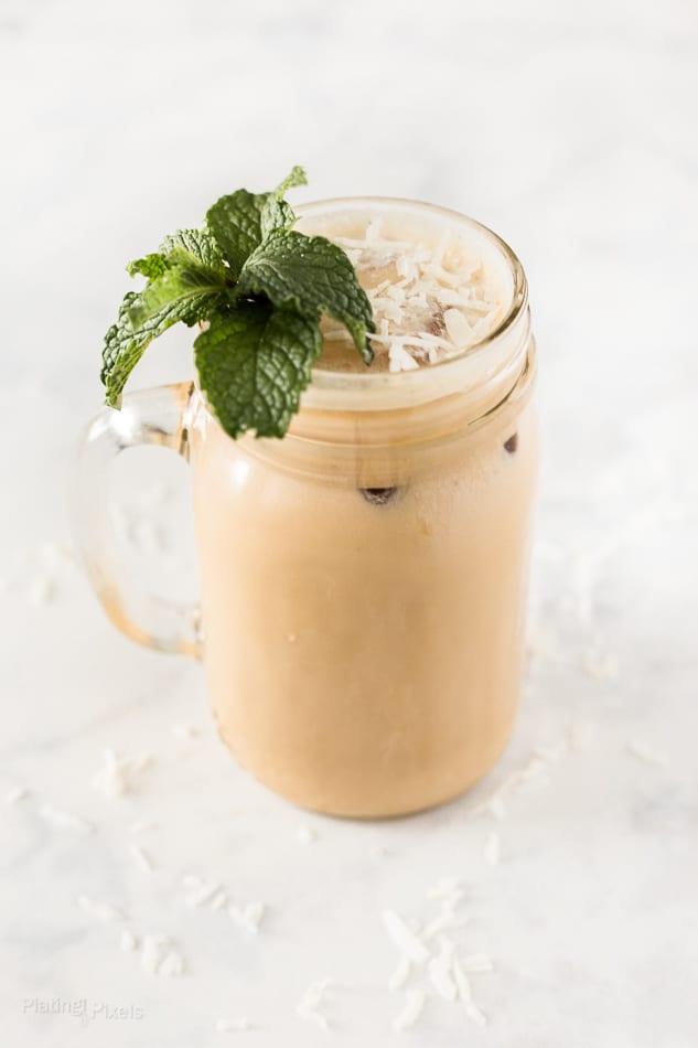 Iced Caramel Coconut Mint Latte recipe - www.platinpixels.com