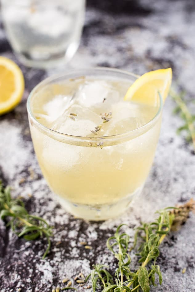 Lavender Lemon Sparkler Cocktail recipe - www.platingpixels.com