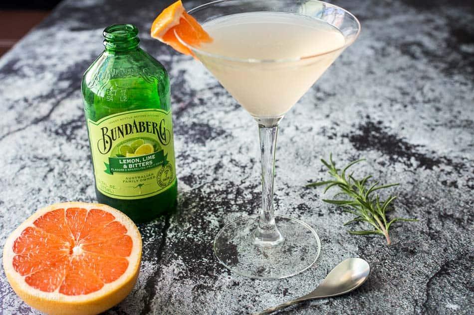 Sparkling Rosemary Grapefruit Gin Martini recipe - www.platingpixels.com