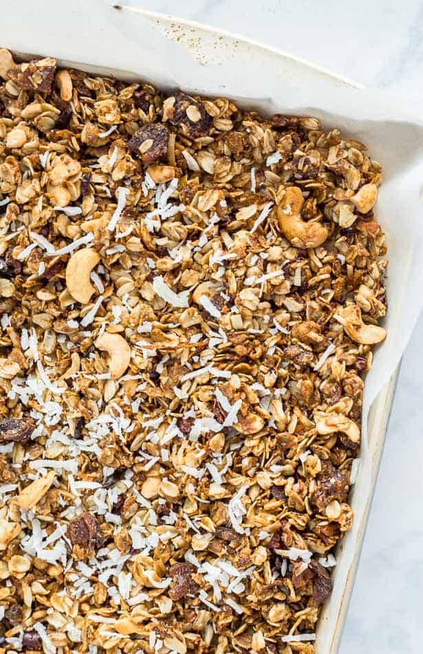 Homemade Cashew and Coconut Oil Vegan Granola - Plating Pixels