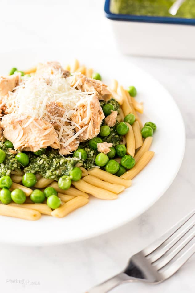 Easy Salmon Pesto Pasta recipe - www.platingpixels.com