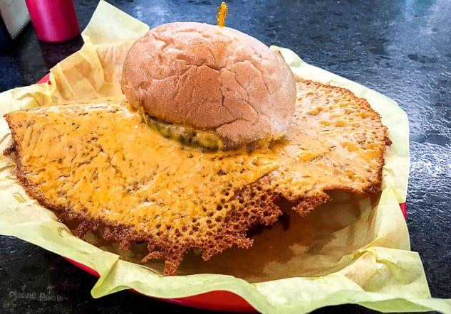 Best Sacramento Restaurants - Squeeze Burger | platingpixels.com