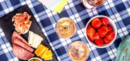 Spring Date Idea: Simple Patio Picnic - platingpixels.com
