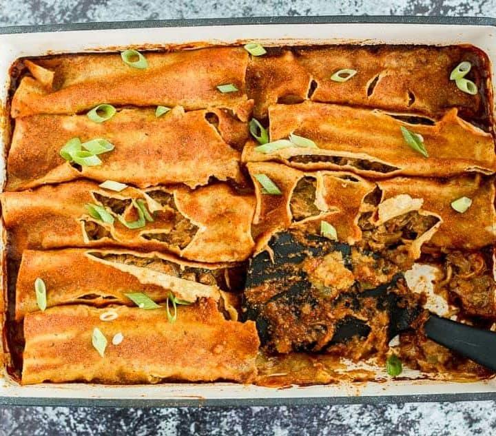 5 Ingredient Slow Cooker Carnitas Enchiladas recipe - platingpixels.com
