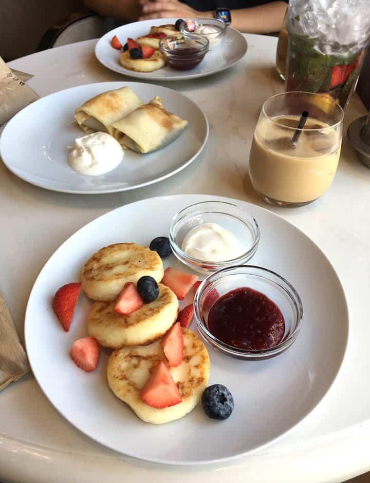 Breakfast at Shokoladnitsa